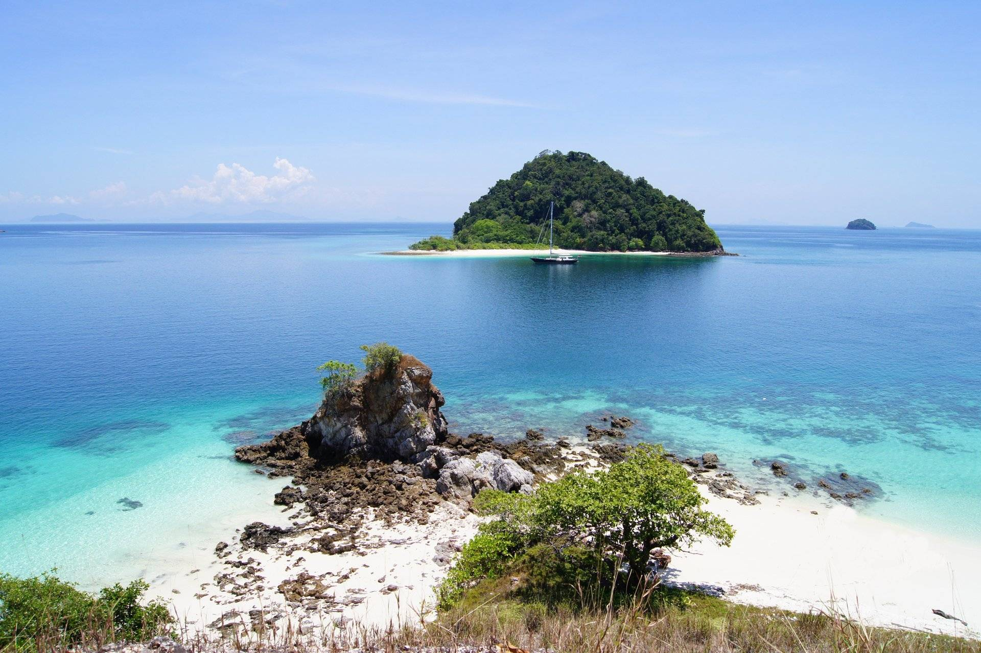phuket yacht charter sy asia